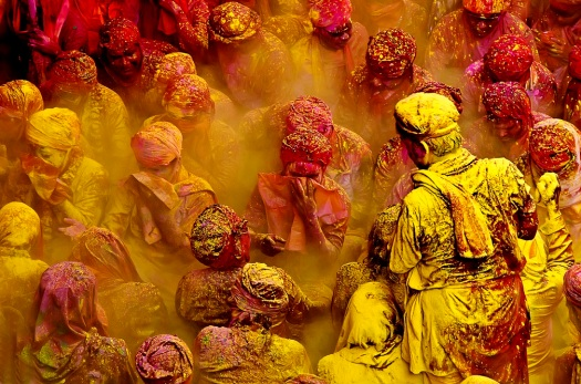 holi-in-Mathura_02