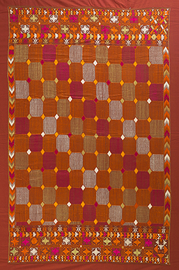 PHULKARI WITH SHIMMERING EFFECT PUNJAB, CIRCA 1930 Handspun and handwoven cotton, hand embroidered with untwisted silk thread, natural dyes 53.5 x 85 in (136 x 216 cm)